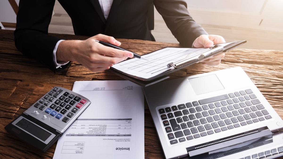 Når begynner bedriften din å bruke tid på de som ikke betaler?