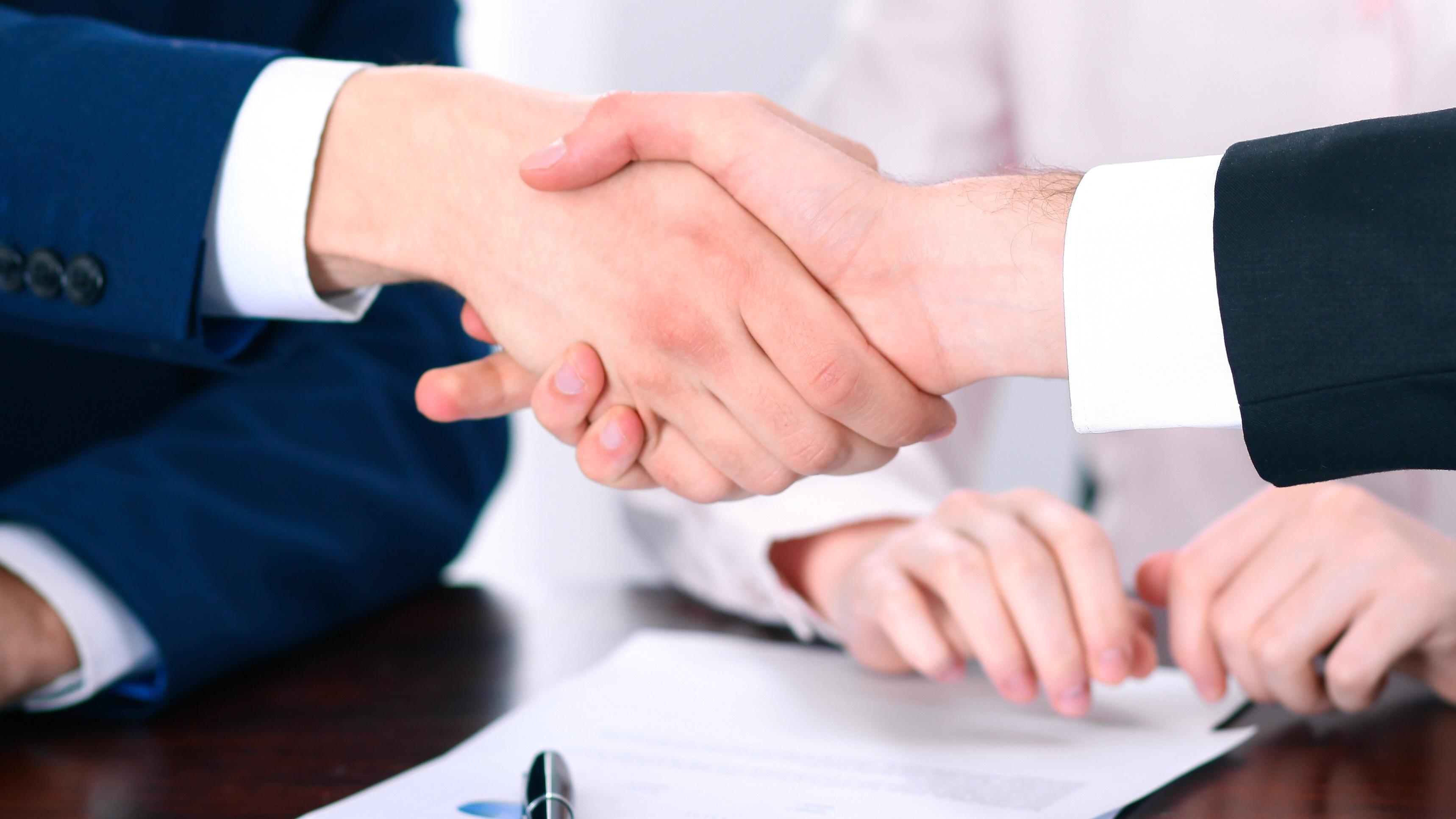 7 enkle ting du bør inkludere i kundeavtalene dine